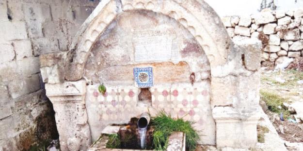 Bu çeşmeden Müslümana su içmek haram!