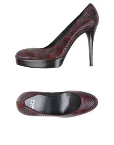 STUART WEITZMAN ΠΑΠΟΥΤΣΙΑ Κλειστά παπούτσια