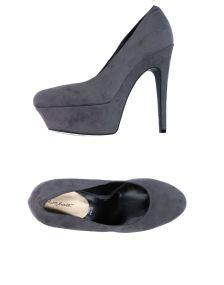 ALBERTO MORETTI ΠΑΠΟΥΤΣΙΑ Κλειστά παπούτσια