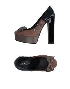 VICINI ΠΑΠΟΥΤΣΙΑ Κλειστά παπούτσια