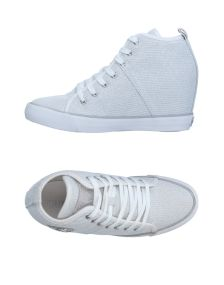 GUESS ΠΑΠΟΥΤΣΙΑ Χαμηλά sneakers