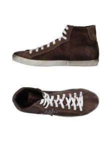 W DABLIU ΠΑΠΟΥΤΣΙΑ Χαμηλά sneakers