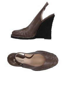 BOTTEGA VENETA ΠΑΠΟΥΤΣΙΑ Κλειστά παπούτσια