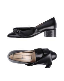 N° 21 ΠΑΠΟΥΤΣΙΑ Κλειστά παπούτσια