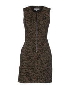 RELATED ΦΟΡΕΜΑΤΑ Κοντό φόρεμα