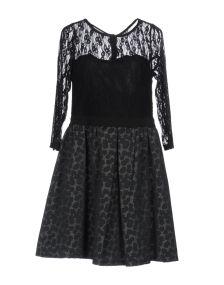 NOSHUA ΦΟΡΕΜΑΤΑ Κοντό φόρεμα