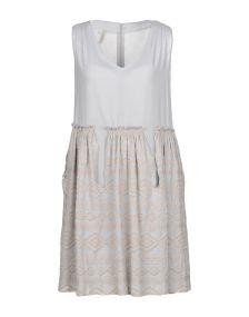LA KICCA ΦΟΡΕΜΑΤΑ Κοντό φόρεμα