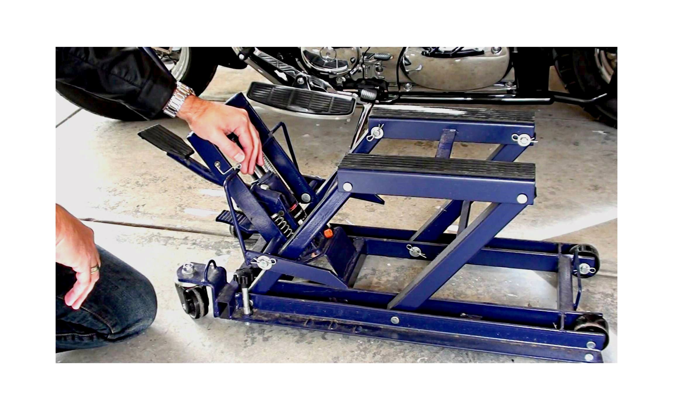 12 Best Motorcycle Jacks Lifts Stands Must Read Reviews For September 2020