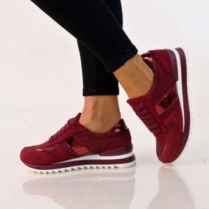 Sneakers suede
