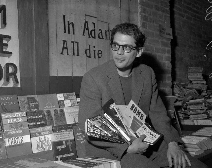 Joven Allen Ginsberg, uno de los principales representantes de la Generación Beat