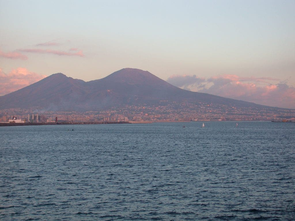 hight resolution of mount vesuvius erupted in ad 79 and the last eruption of this stratovolcano near naples italy occurred in march 1944