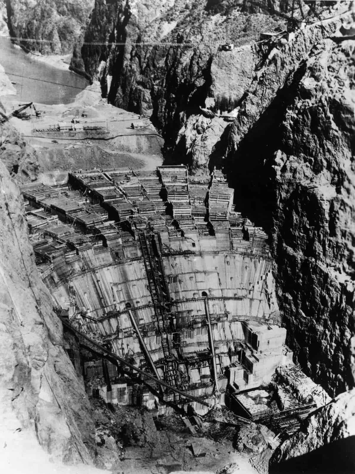Building Hoover Dam in pictures 19311936