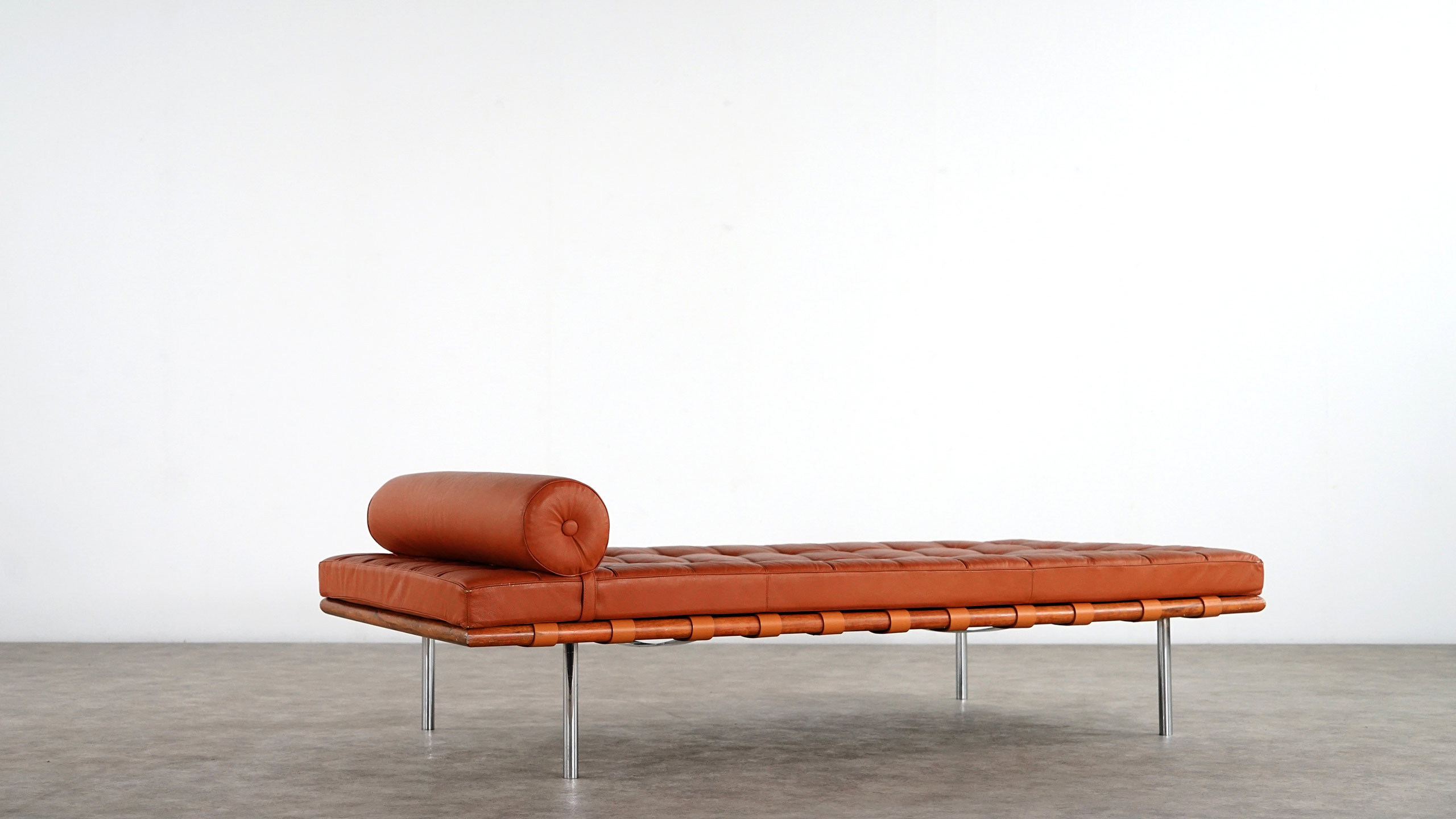 Mies van der Rohe  Daybed Knoll International