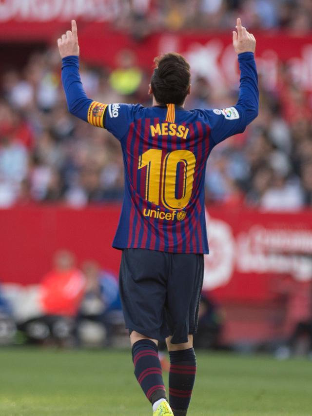 Pengertian Offset Dalam Sepak Bola : pengertian, offset, dalam, sepak, Khusus, Selebrasi, Lionel, Messi, Bintang, Seusai, Mencetak, Spanyol, Bola.com