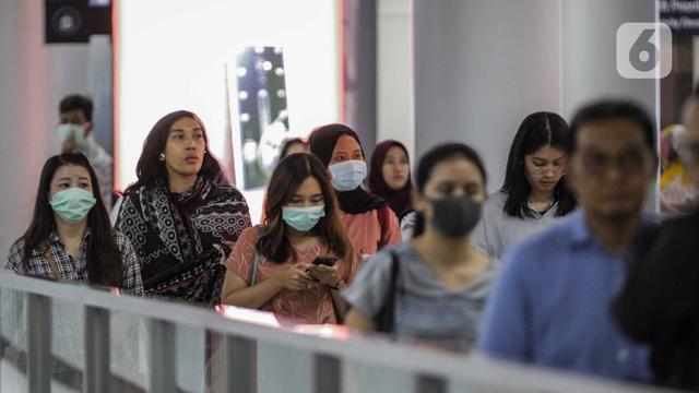 Penumpang MRT Jakarta