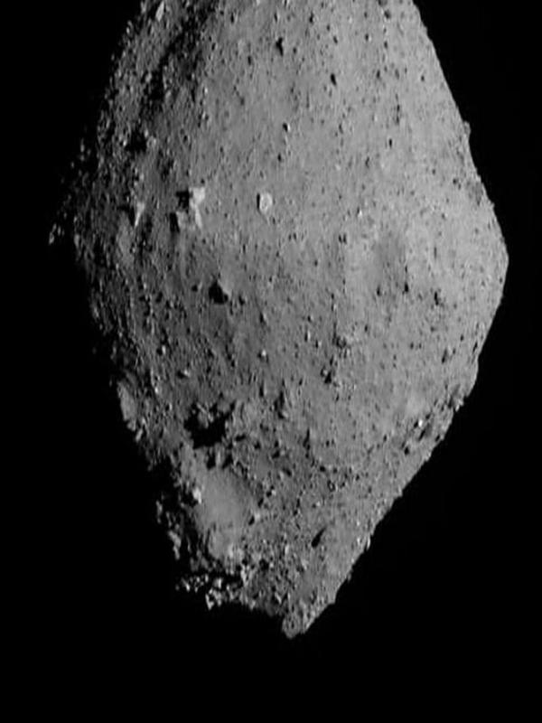 Visual permukaan asteroid Ryugu berhasil ditangkap oleh robot jelajah Hayagusa2 milik badan antariksa Jepang, JAXA (AFP/JAXA)