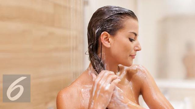 Rambut Kuat dari Akar, Ini Cara Tepat Pakai Conditioner
