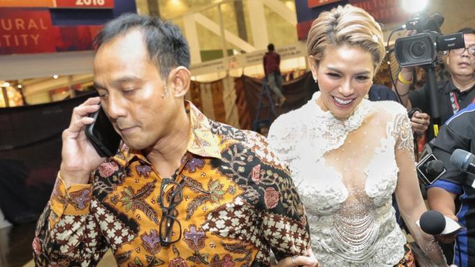 Pernikahan Nikita Mirzani Dan Dipo Latief