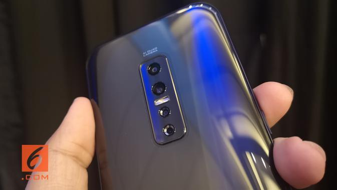 Tampak bodi belakang smartphone Vivo V17 Pro. (News/ Agustinus Mario Damar)