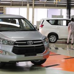 Cara Pengoperasian Audio All New Kijang Innova Brand Toyota Camry For Sale In Ghana Jangan Salah Beli Lama Dan Baru Beda Kampas Rem Otomotif 20151117 Mengintip Proses Perakitan Di Pabrik Tmmin Karawang