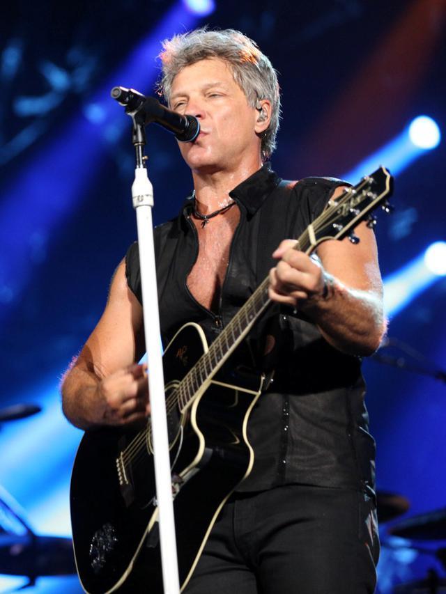 Lagu Bon Jovi Terbaik : terbaik, Lirik, Blaze, Glory, Ragam, Bola.com