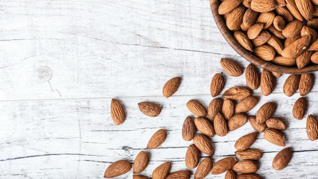 Kacang Almon (Krasula/Shutterstock)