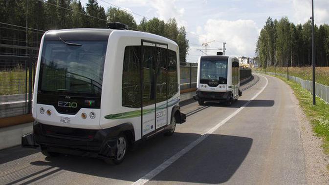 Belanda jadi negara pertama yang melakukan uji coba bus tanpa sopir (otonomos).