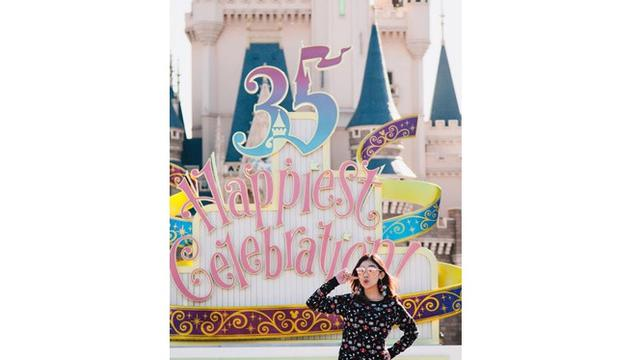 Sudah Berusia 35 Tahun, Ini 6 Pesona Kartika Adik Sandra Dewi yang Awet Muda