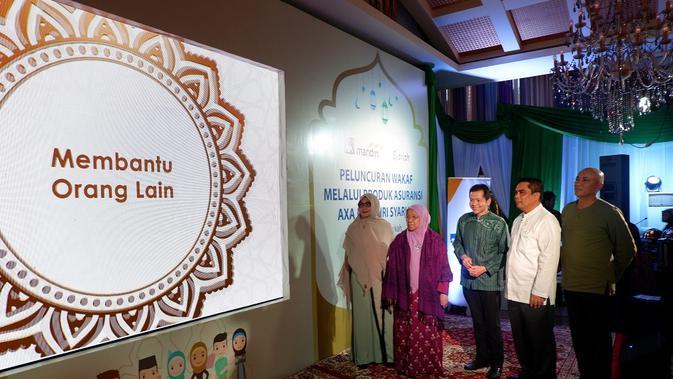Peluncuran fitur wakaf AXA Mandiri Syariah di Epicentrum Walk, Jakarta, Senin (13/5/2019).
