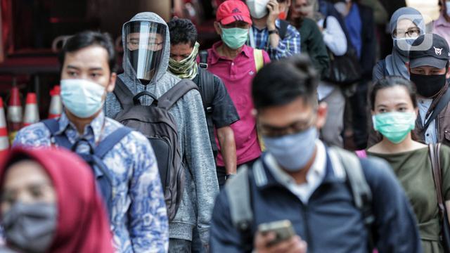 Suasana Jam Pulang Kantor Pekerja di Jakarta