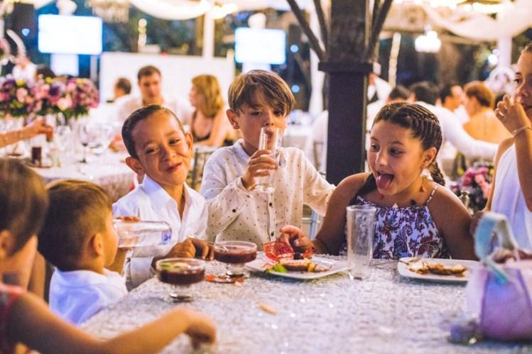 5 cosas que tienen que adaptar si tendrán niños en la boda - bodas.com.mx