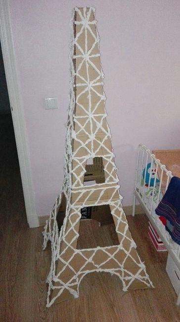 Centrode mesa y torre eiffel fe metro y medio