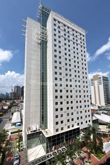 Hotel TRYP Naes Unidas