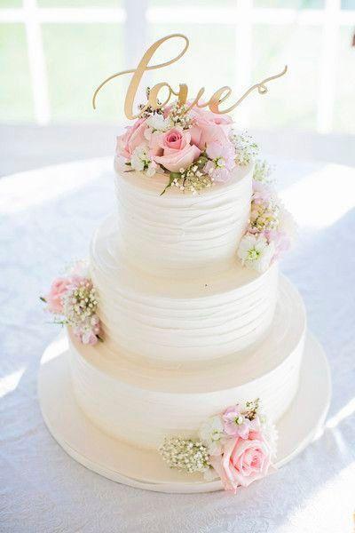 bolo de casamento  flores naturais