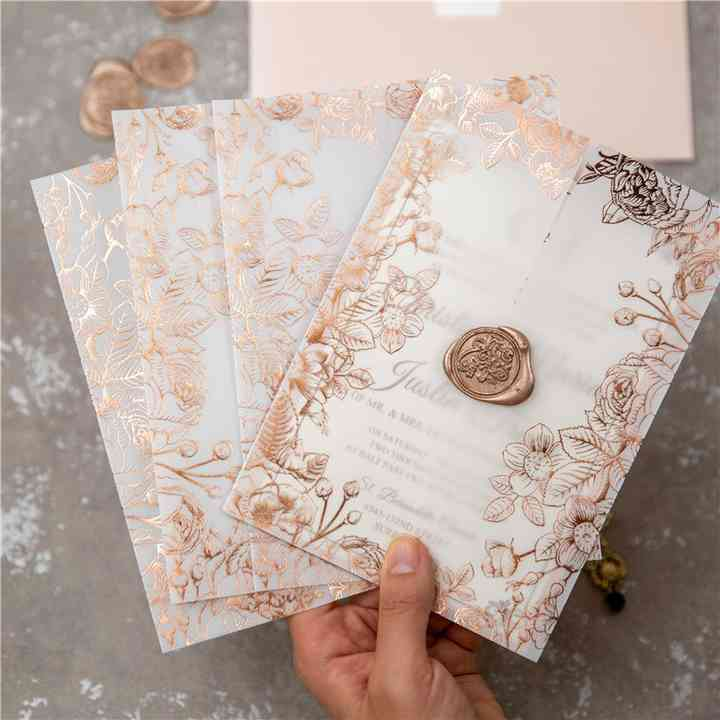 du papier calque pour les invitations