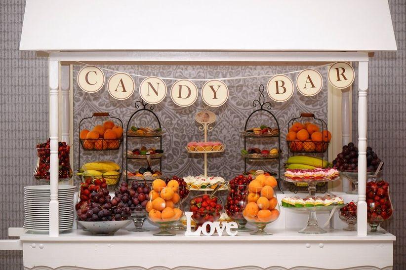 Buffet de frutas para el banquete del matrimonio