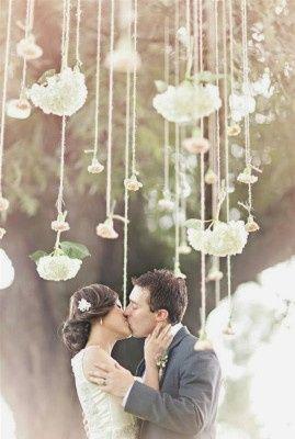 Decoracin con flores colgantes
