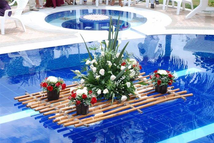Ideas para decorar la piscina de la recepcin