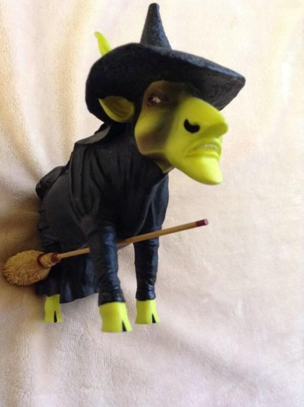 6 Cows Parade Figurines Santa Peace Moonet Oz