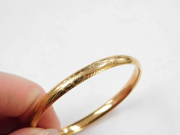 Vintage 14k Gold Etched Hinged Baby Bangle Bracelet 5 3 4