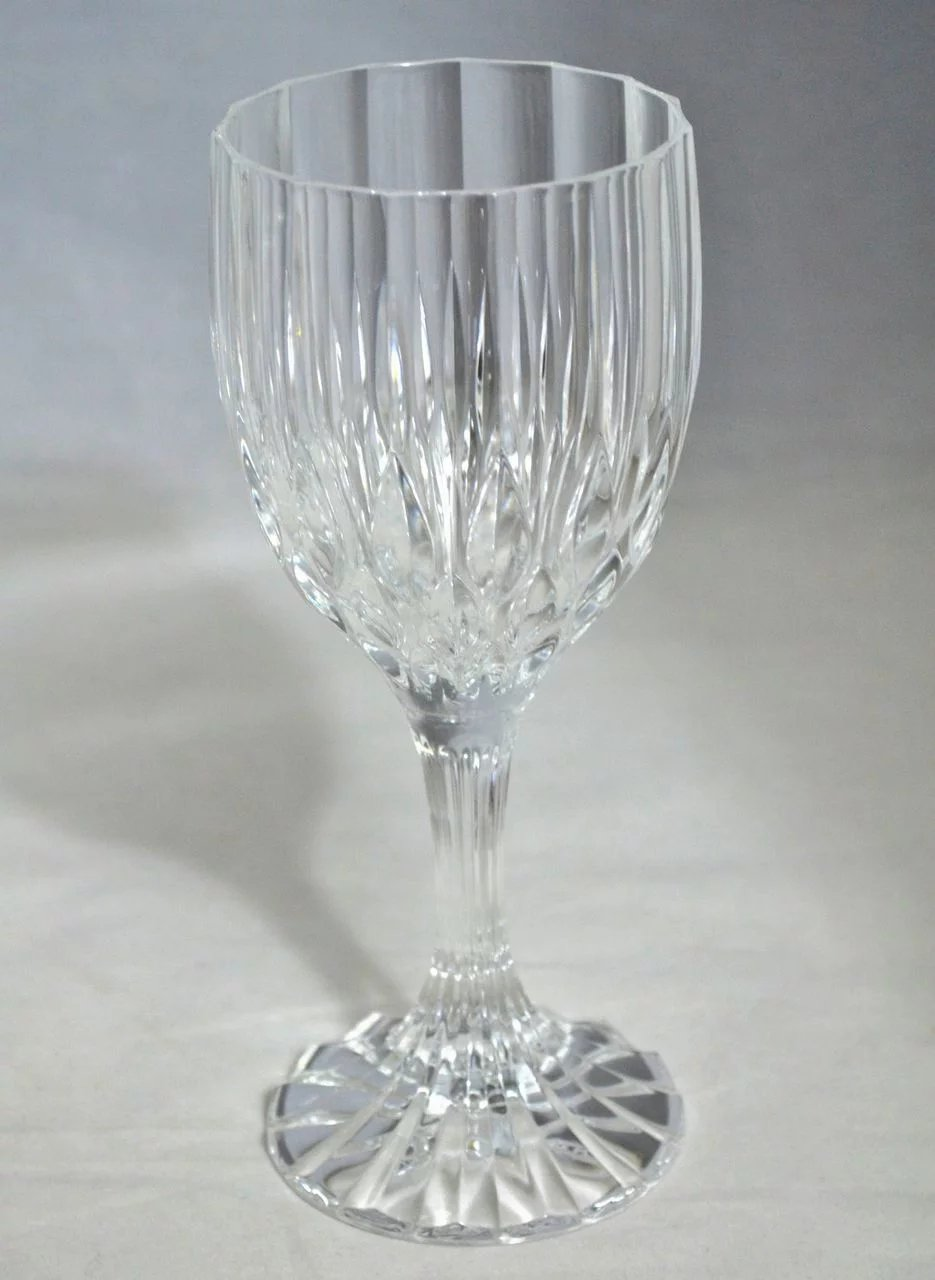 Set Of 8 Lead Crystal Fluted Diamond Cut Wine Glasses Sold