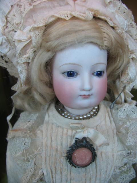 Fashion lady doll 19 inches or 48 cm not signed  from