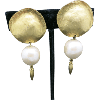 Fake pearl earrings Gold tone Big Clip on from ...