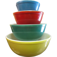 Set of Vintage Pyrex Primary Color Mixing Bowls from ...