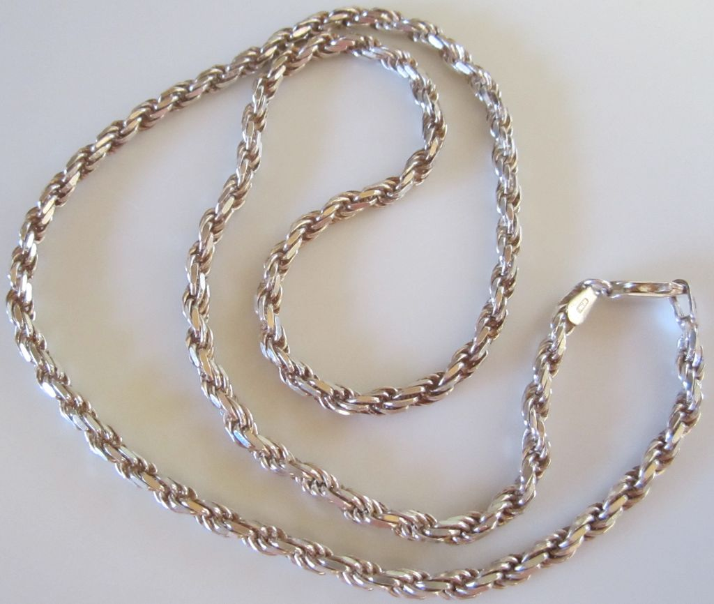 Beautiful Vintage Sterling Silver Rope Chain Necklace from