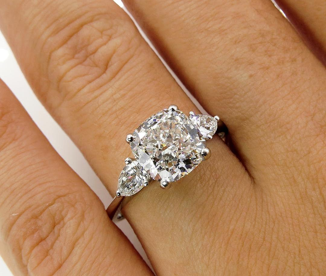 Colorless 303ct Vintage CUSHION Cut Diamond 3 Stone