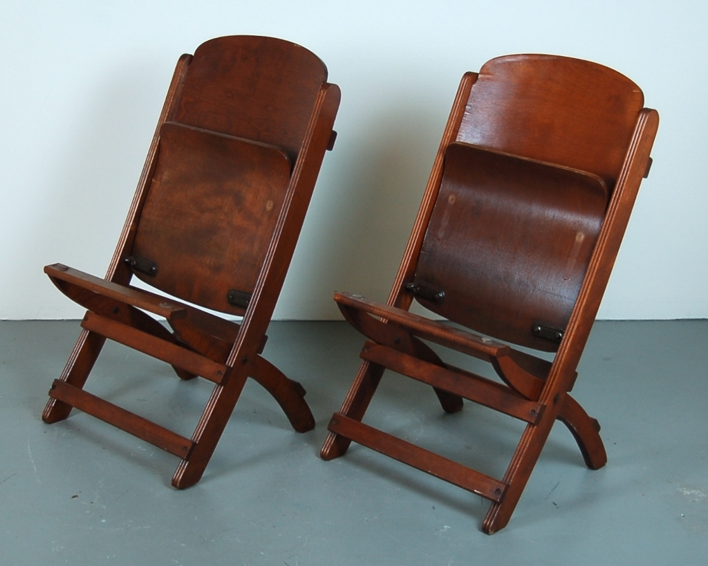 Nice Folding Chairs Nice Pair Vintage Wooden Folding Chairs Theater Seats From