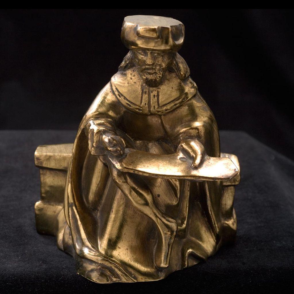 Cast Statue Metropolitan Museum Of Art Cloisters