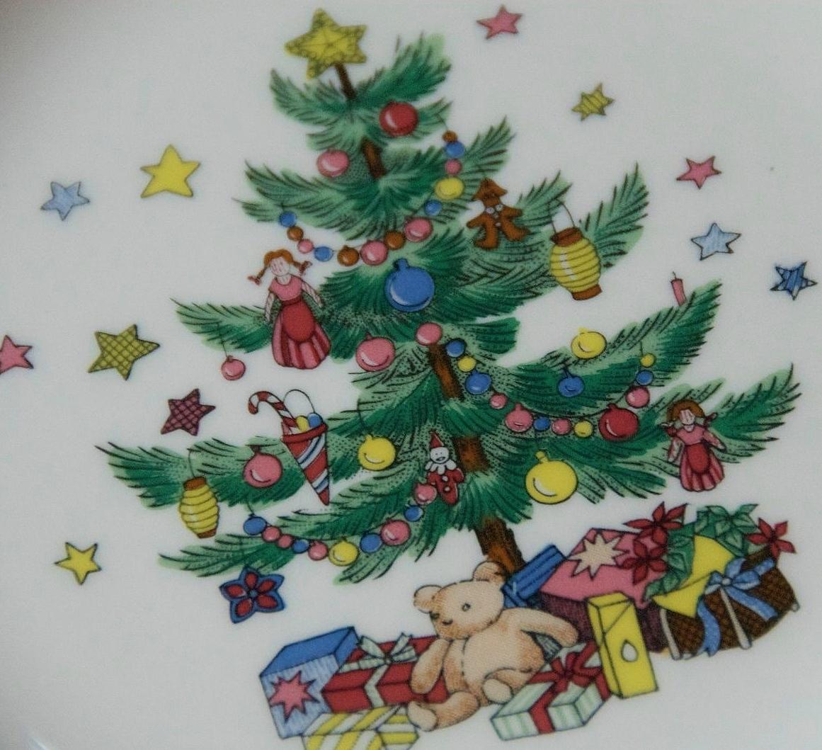 Happy Holidays Nikko Christmas Dishes