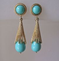 Vintage Avon Turquoise Glass Pendant Clip Earrings from